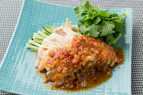 茹で鶏の特製タオチオジンジャーソース