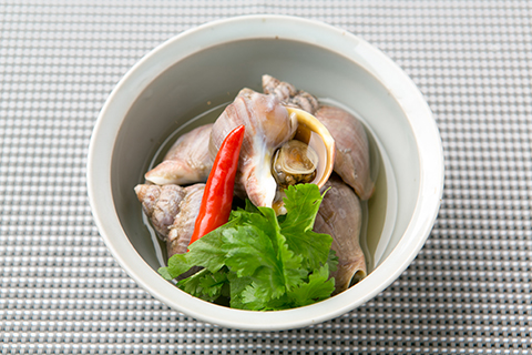 国産バイ貝の特製ナンプラー漬け