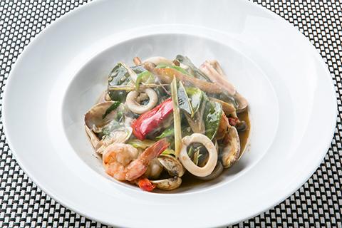 海鮮3種の薬膳生姜炒め