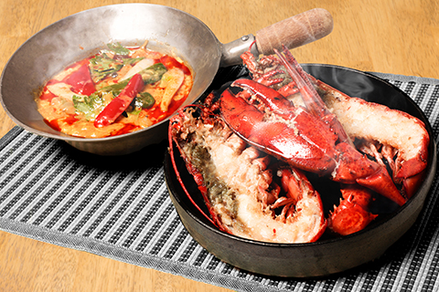 活けオマール海老(450g)カレー卵炒め
